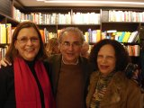 Plinio Martins entre as professoras Sandra Reimo e Irene Machado