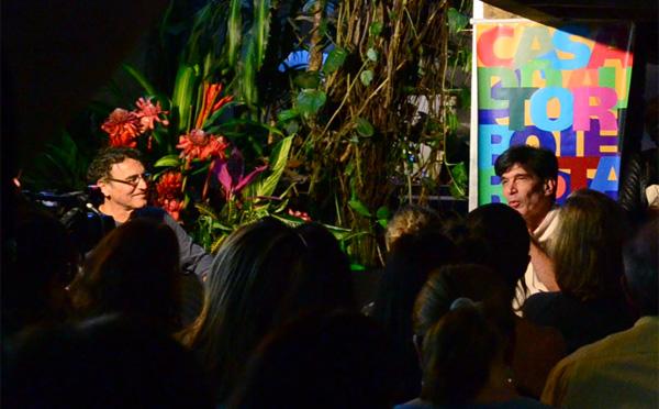 Eromar Bomfim (esq.) e Carlos Novaes durante o debate