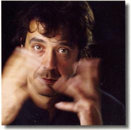"""Gustavo Piqueira, autor de """"Clichês Brasileiros"""""""