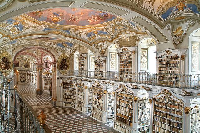 5. Biblioteca de Admond