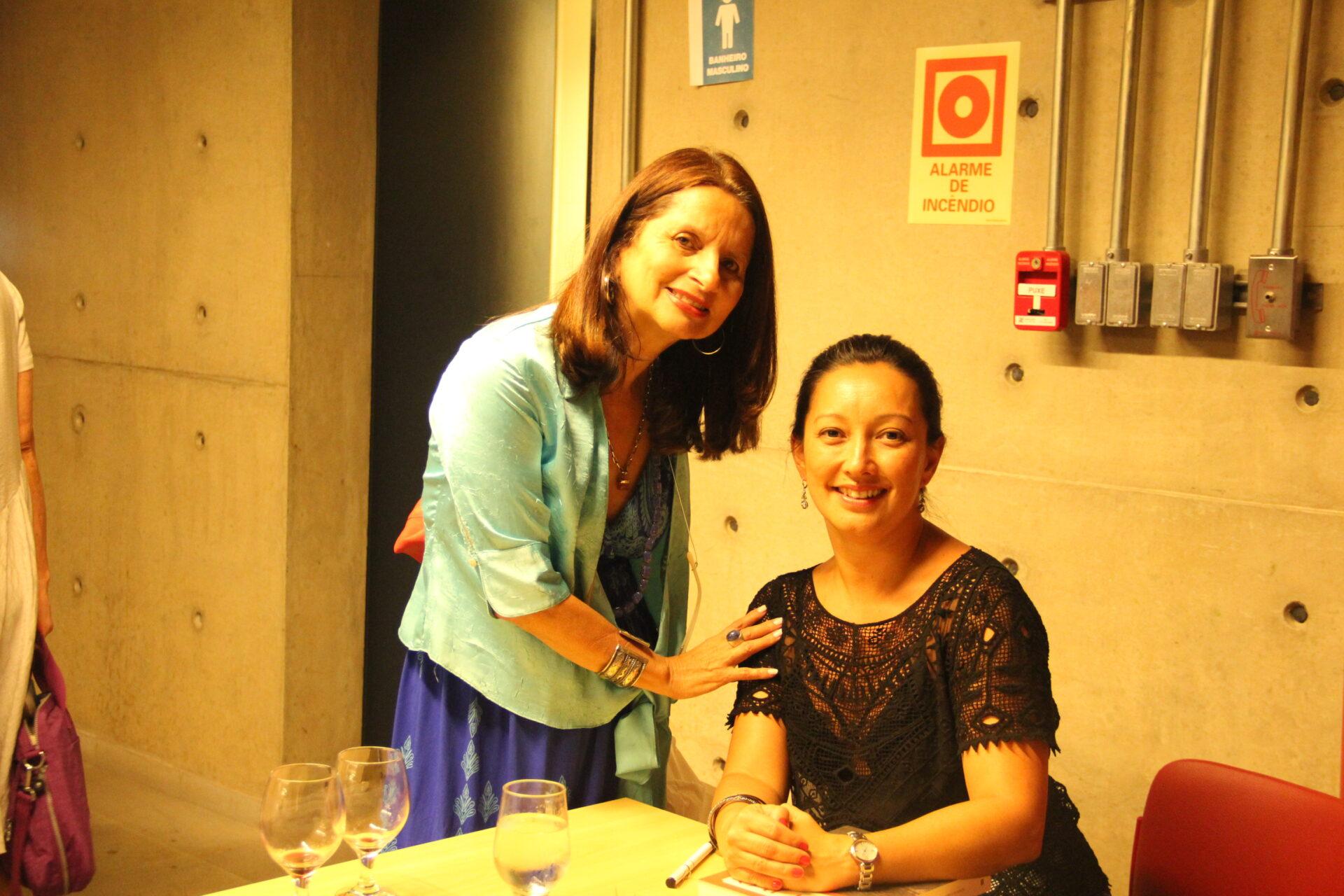 Lançamento da revista Livro N. 04 com  Ana Luiza Martins (esq.) e Marisa Midori.