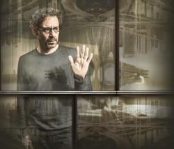 Emílio de Mello interpreta Carlo Antonini