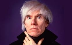 """Andy Warhol: """"todos têm direito a 15 minutos de fama"""""""